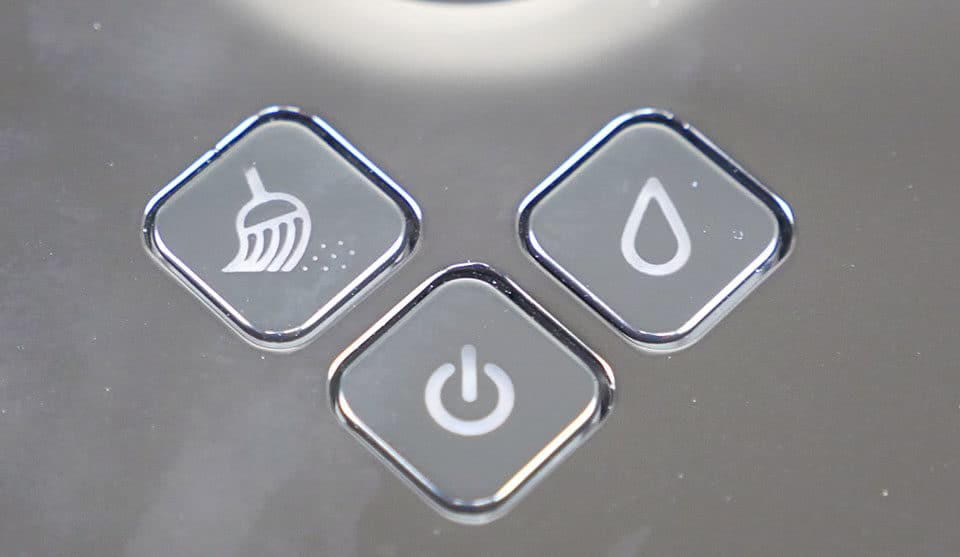 Control buttons on the Braava 380t