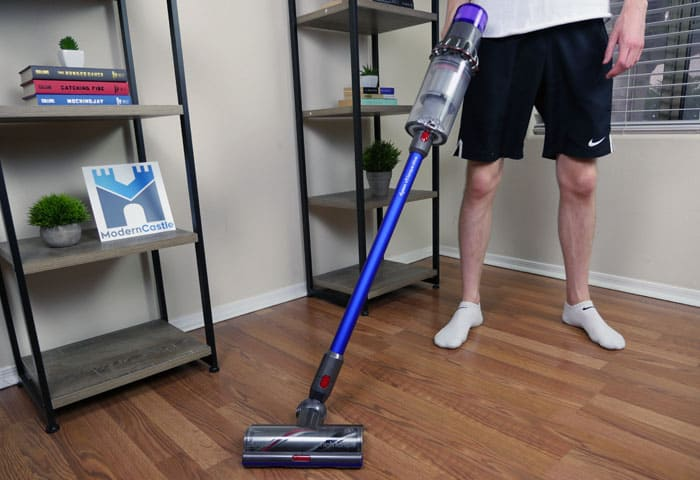 Dyson V11 Torque Drive cordless stick vacuum cleaner review