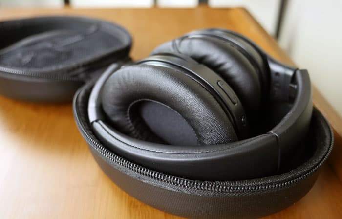 iTeknic headphones in carrying case