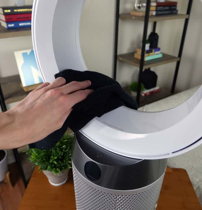 Cleaning the Dyson air purifier amplifier