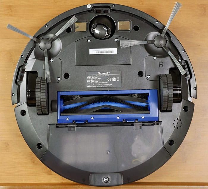 Underside of the Proscenic robot vacuum
