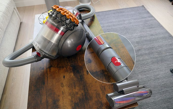 Dyson canister vacuum - connection system