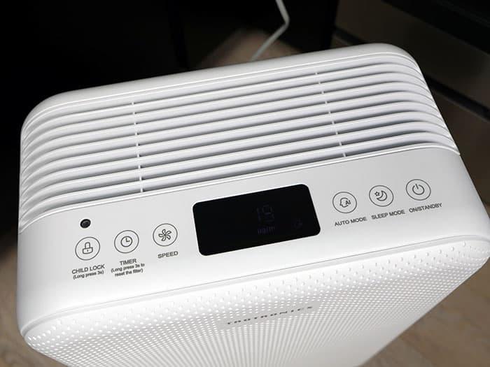 TaoTronics TT-AP002 air purifier display and controls